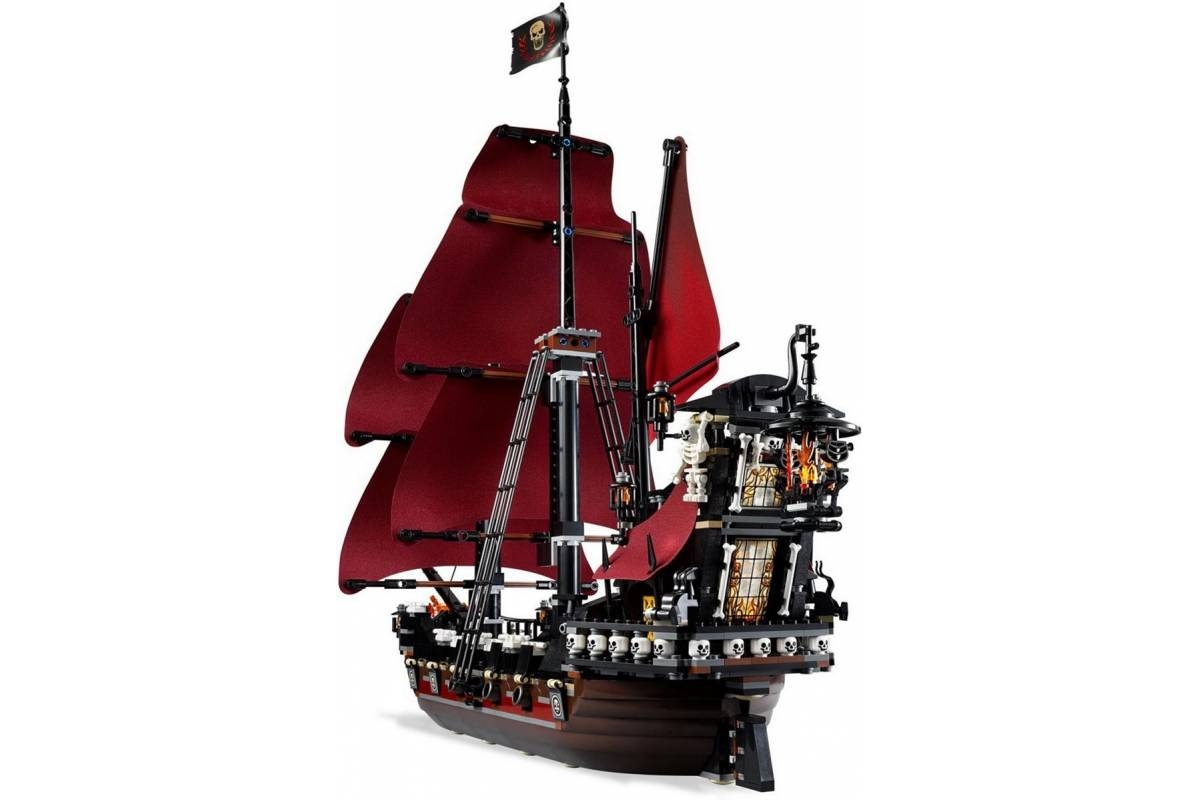 Конструктор Lepin Pirates of the Caribbeans 16009 Месть королевы Анны